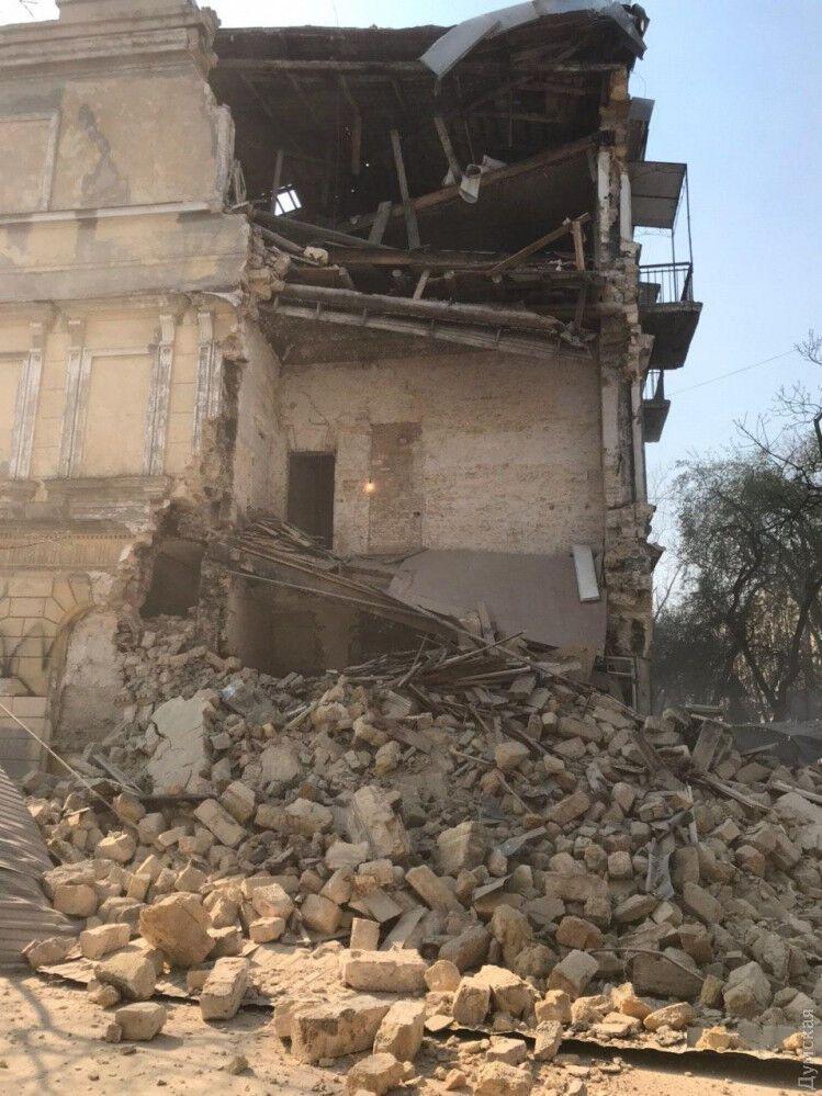 В Одесі завалився старовинний будинок на Канатній