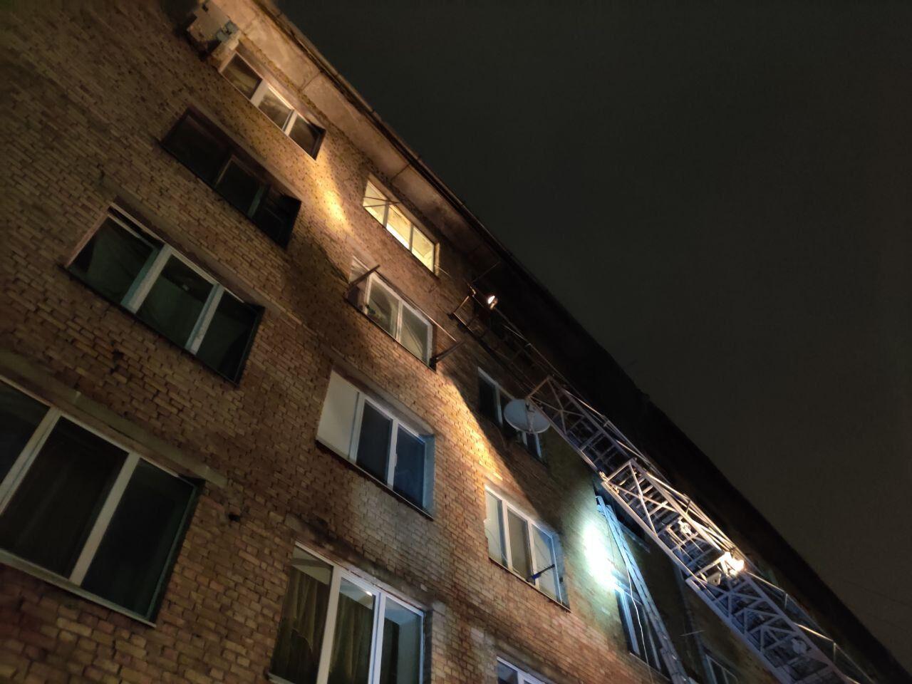 У Києві трапилася пожежа в житловому будинку