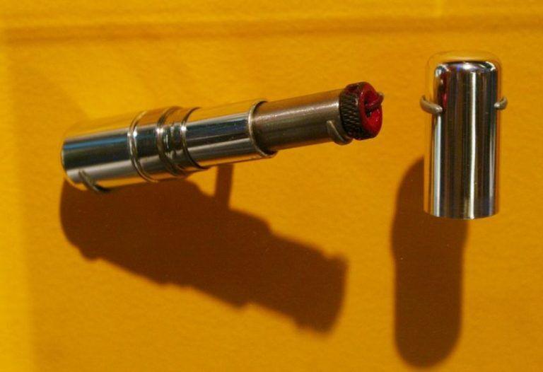 Губная помада – пистолет