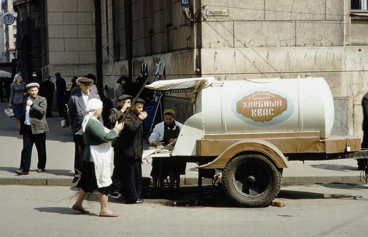 """""""Буратино"""" и газировка из автомата: 12 напитков СССР, которые напомнят о детстве"""