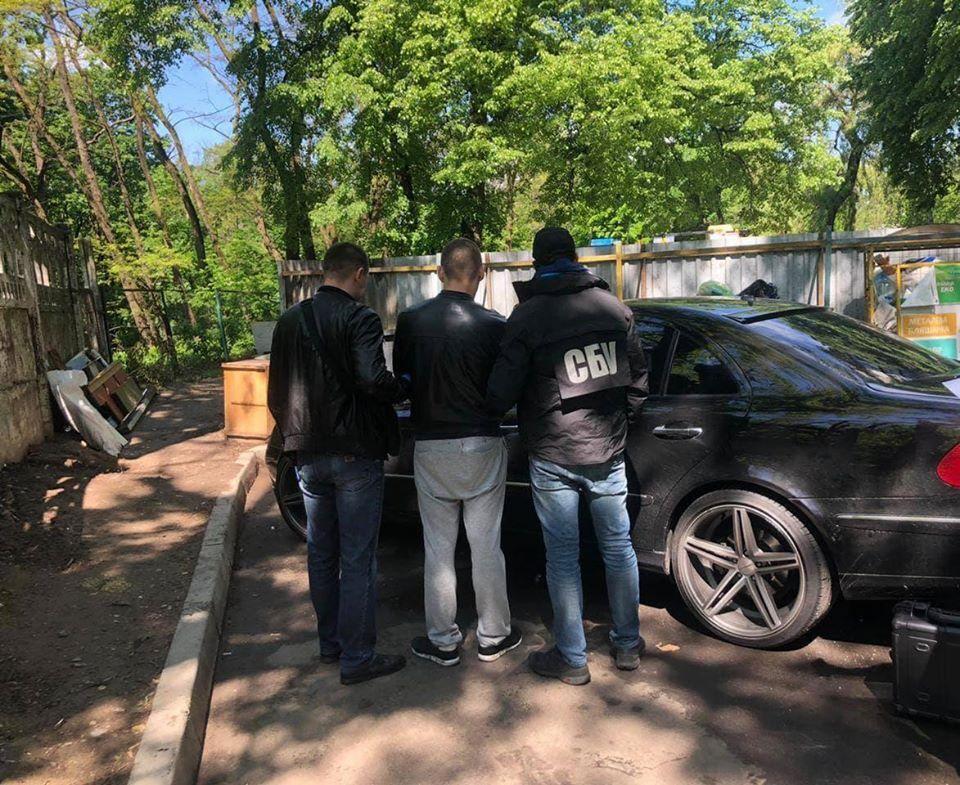 У Києві упіймали наркодилера з кокаїном на 75 тисяч доларів