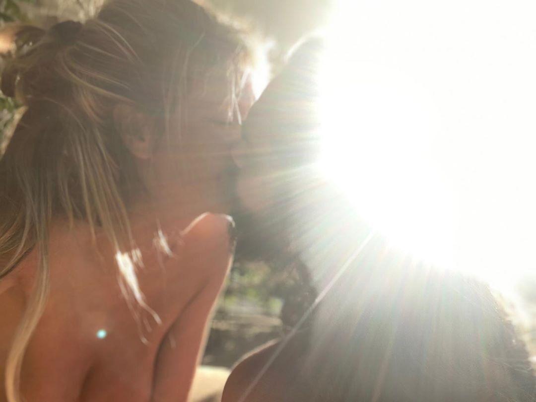 46-летняя немецкая супермодель оголила грудь. Фото