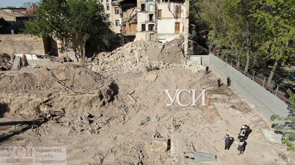 В Одессе обрушился 5-этажный жилой дом: под завалами несколько квартир