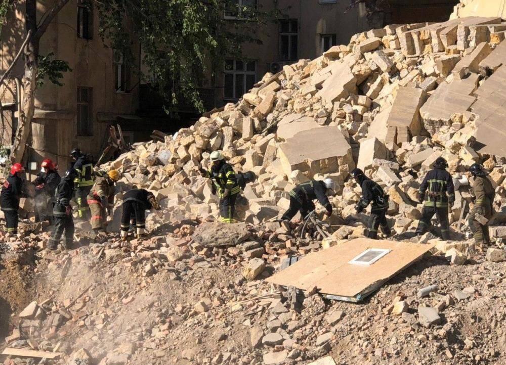 В Одессе обрушился 4-этажный жилой дом: разрушены несколько квартир