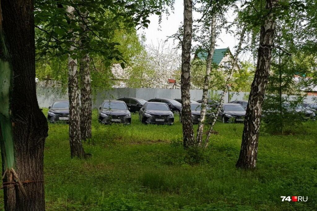 Toyota Camry виявили в лісі під Челябінском