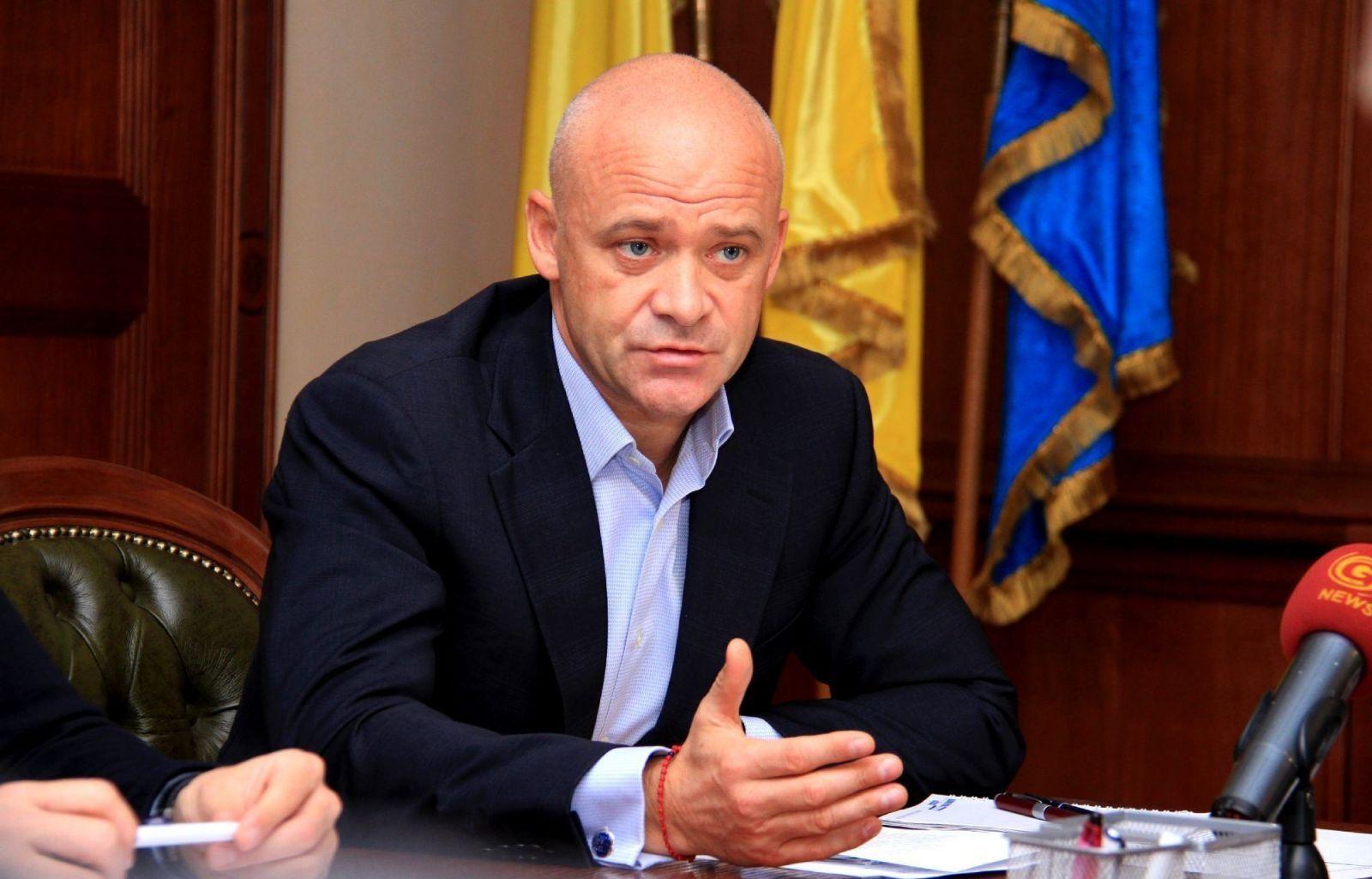 Геннадий Труханов грозит закрыть клубы, которые нарушают карантин