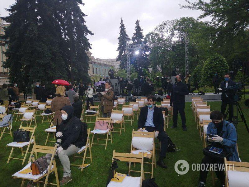 Журналісти чекають початку пресконференції