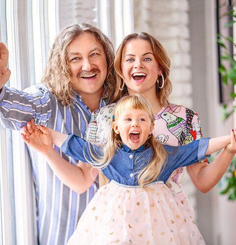 Ігор Ніколаєв з дружиною і донькою