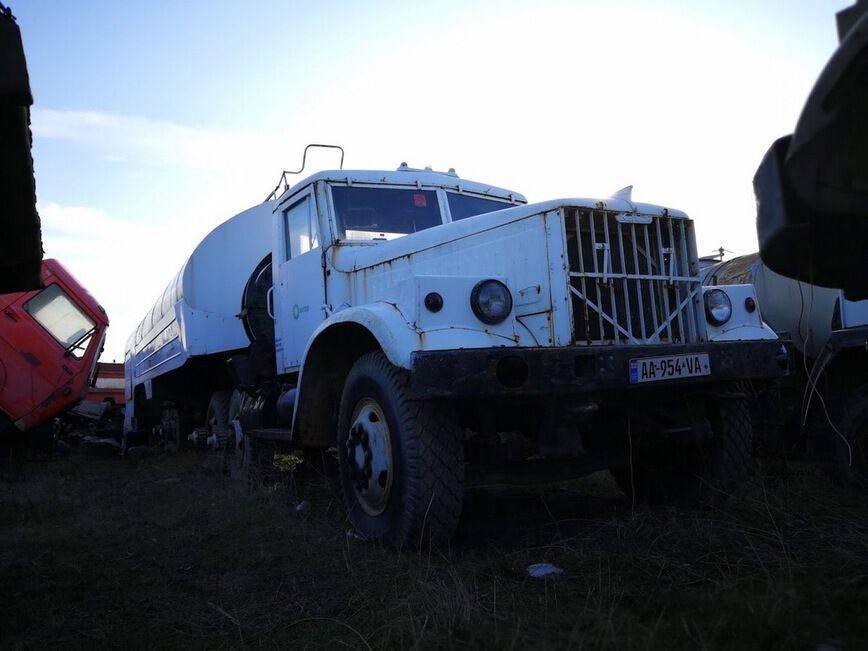 В Грузии нашли множество заброшенных авто