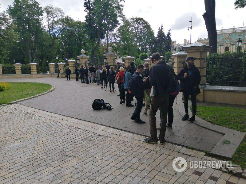 Черга журналістів на пресконференцію Зеленського