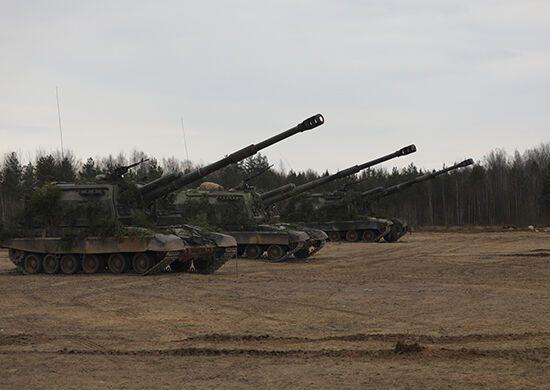 Россия привезла тяжелую артиллерию на границу с Украиной и Беларусью