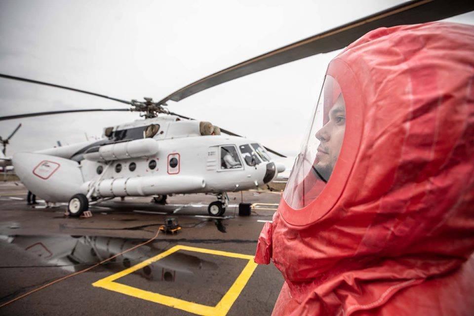 На Буковину доставили вертоліт МВС для хворих на COVID-19: яка ситуація в області