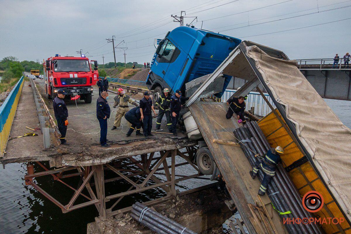 В Олексіївці під Дніпром обрушився міст