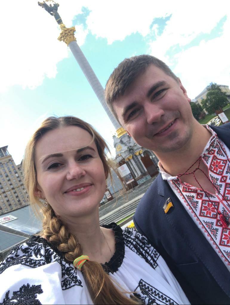 Нардепи Антон Поляков і Анна Скороход