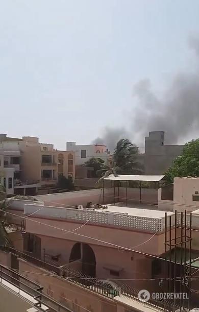 Пасажирський літак розбився в житловому кварталі Пакистану