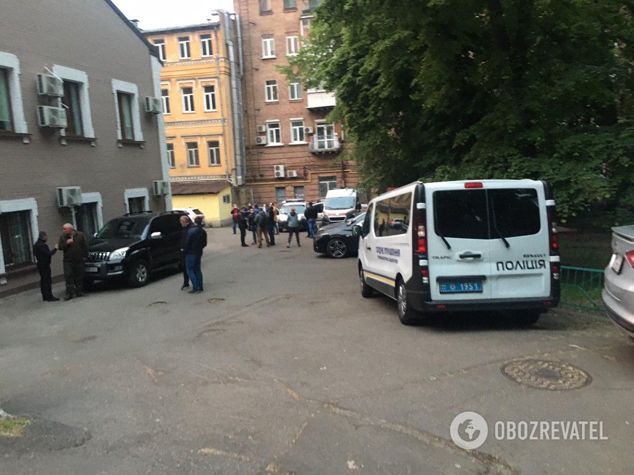 Машина Давыденко была у офиса с самого утра: появились эксклюзивные подробности
