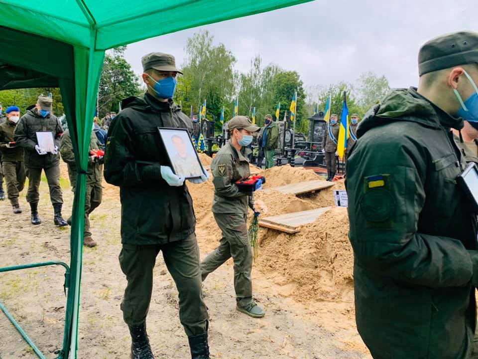 У Києві попрощалися із жертвами стрілянини на Житомирщині
