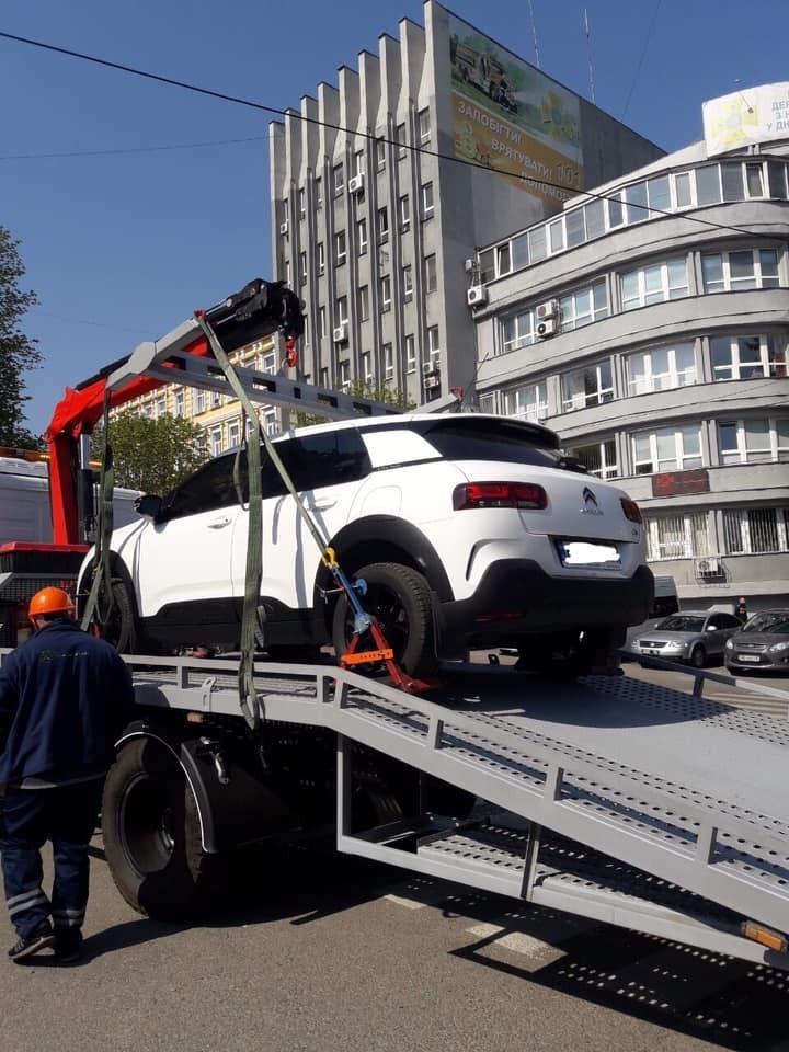Эвакуация транспортных средств в Днепре