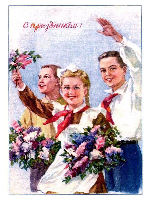 Шкільна форма для хлопчиків і дівчаток в СРСР