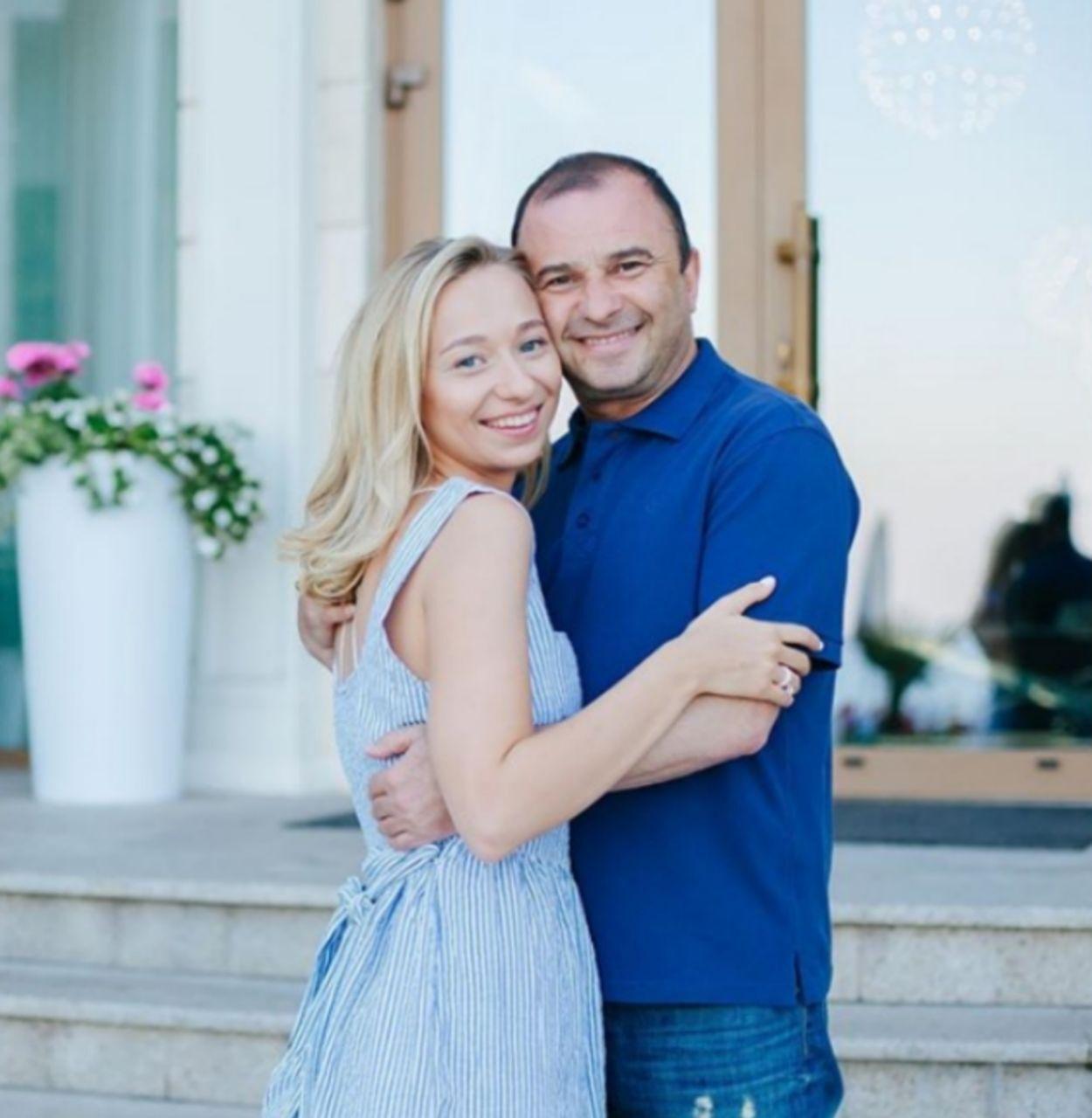 Катерина Репьяхова сообщила дату свадьбы с Виктором Павликом