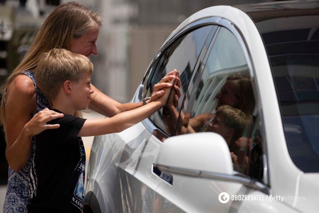 Астронавты прощаются с семьями