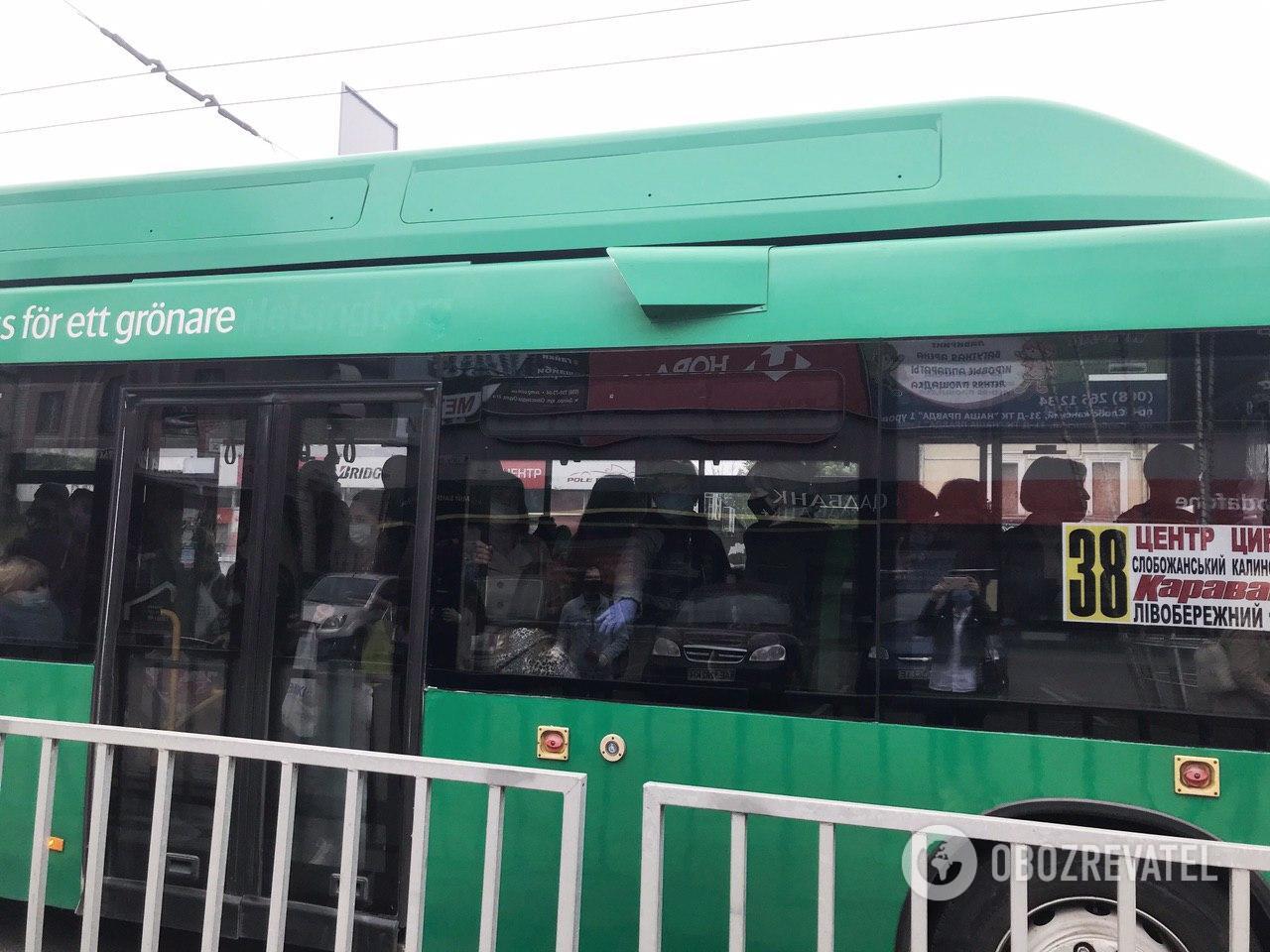 Водитель 38 маршрута грубо нарушил правила