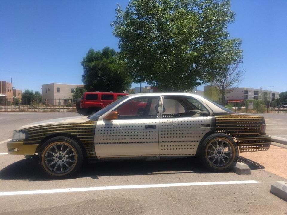 Toyota Camry, яка вся в отворах