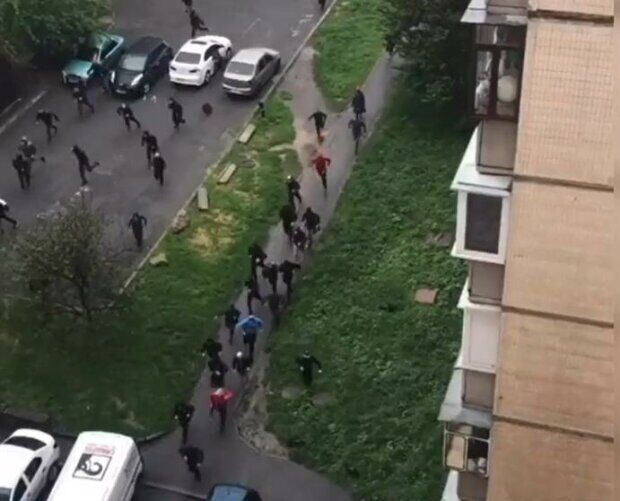 Стрельба происходила прямо в жилых кварталах