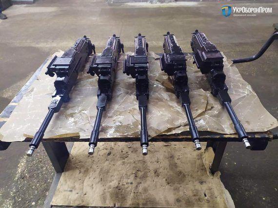 ЗСУ отримали новітні бронемашини. Фото і характеристики