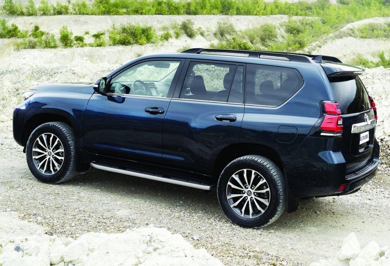Актуальный внедорожник Toyota Land Cruiser Prado