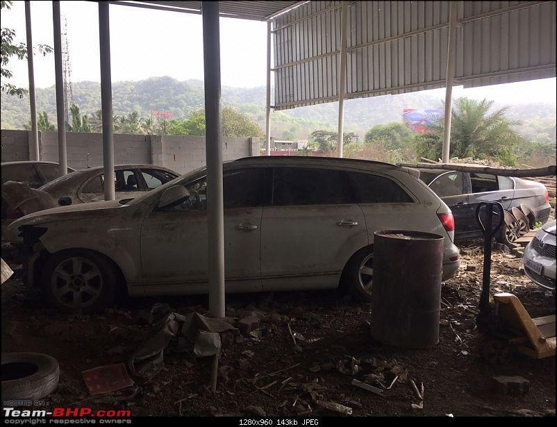 Преміальні авто на звалищі в Індії