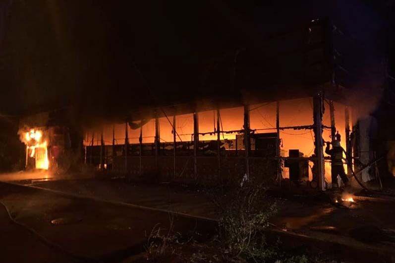 В Днепре сгорел магазин