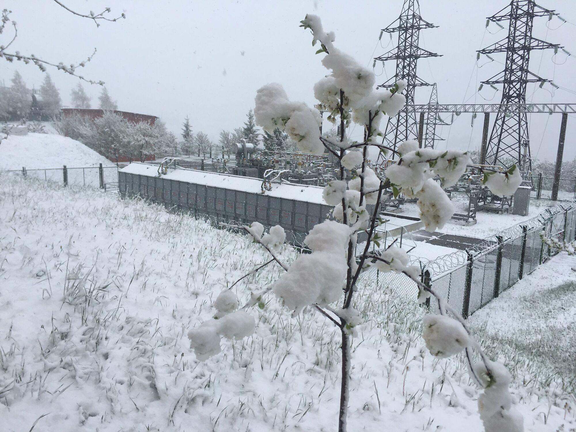 Снег в Воловце Закарпатской области