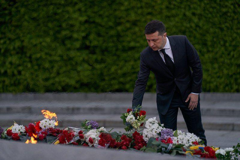 Зеленский почтил память погибших во Второй мировой войне
