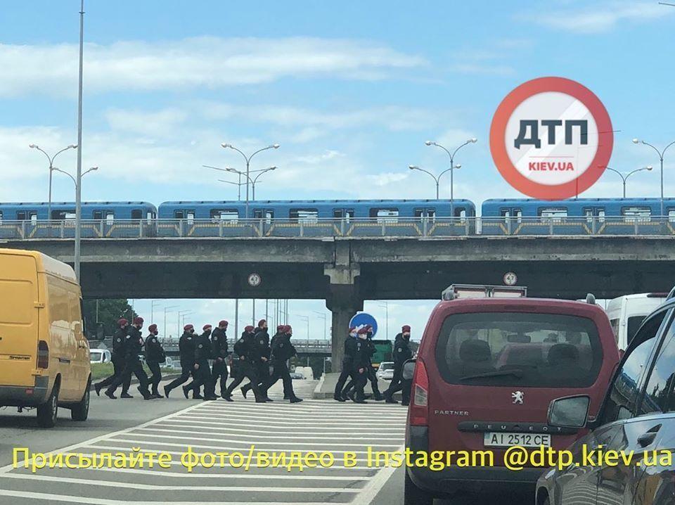 Угроза подрыва моста Метро в Киеве