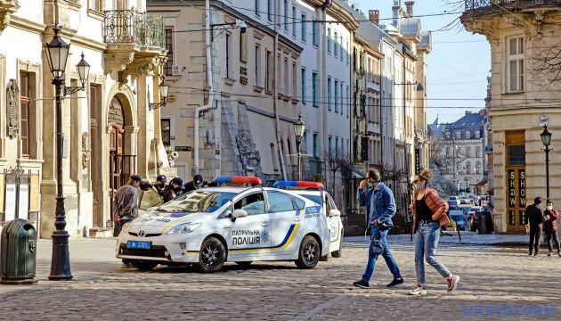 На Львовщине вновь продлили карантин: больных слишком много