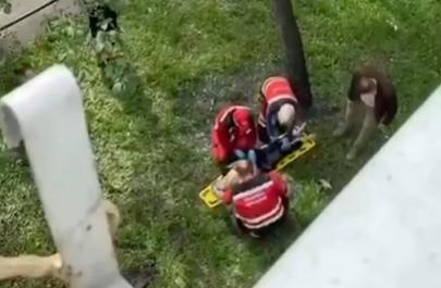 В Киеве девушка выжила после падения из окна
