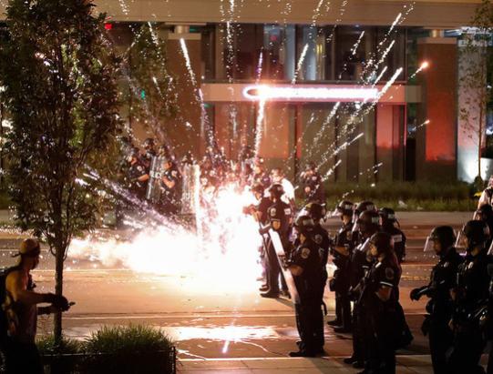 В США седьмой день не утихают массовые протесты