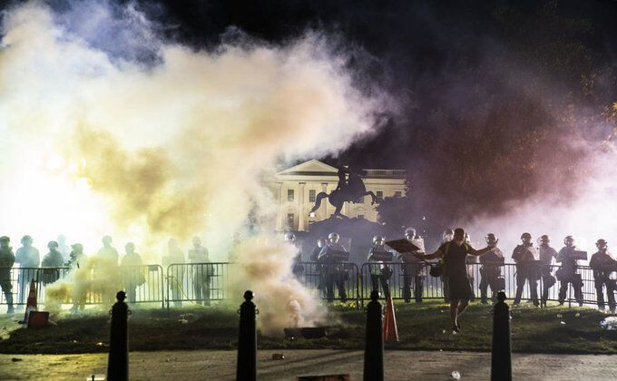 Бунт проти поліції в США