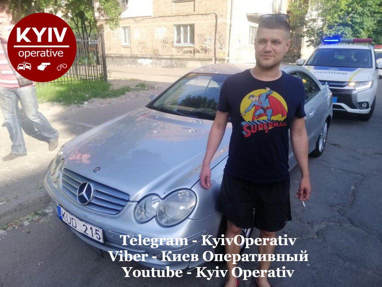 В Киеве авто на переходе сбило женщину и скрылось. Подозреваемый