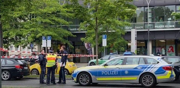 В Мюнхене авто врезалось в толпу, есть раненые