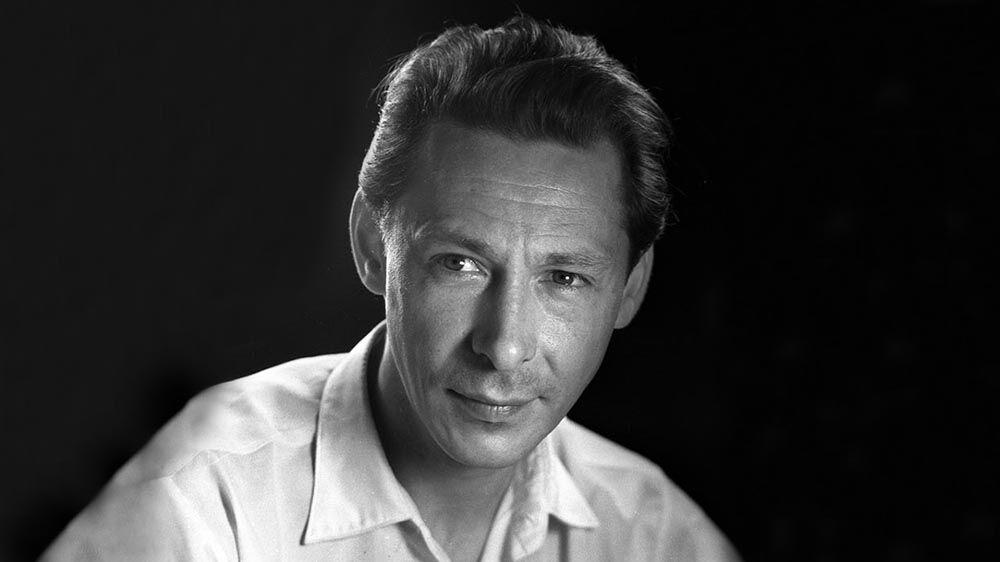 Олег Єфремов