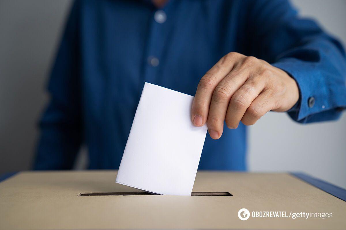 """В """"Слуге народа"""" озвучили вопросы, которые могут вынести на референдум"""