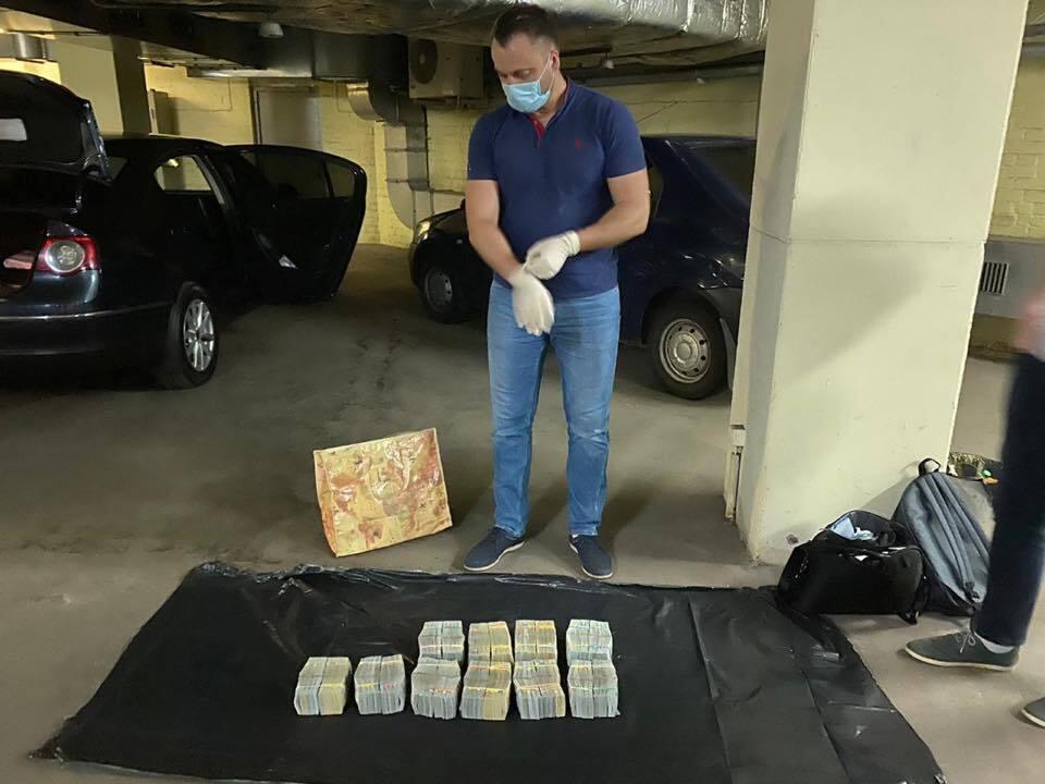 Під час передачі хабара у $6 млн попався перший заступник голови податкової Києва: всі деталі спецоперації