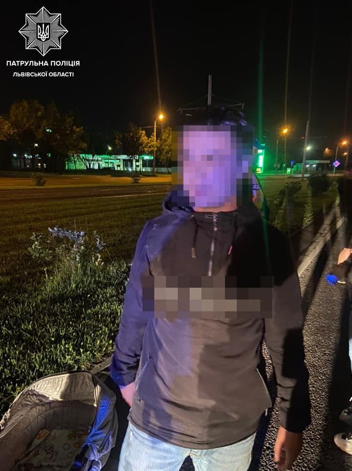 У Львові п'яний 21-річний водій скоїв ДТП у салоні з дитиною