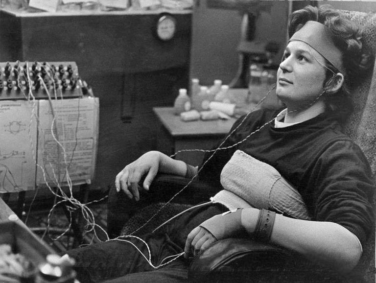 Валентина Терешкова на тренировке, 1963 год