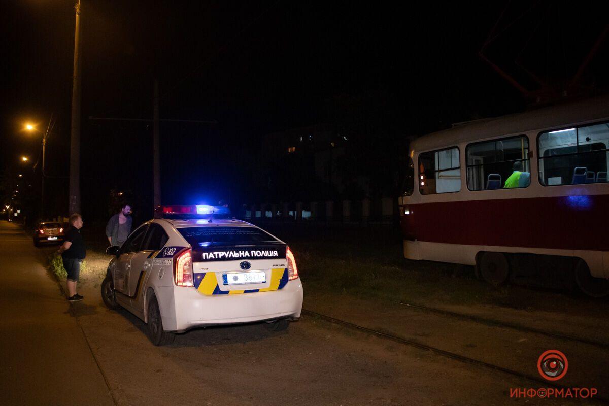 В Днепре женщина пыталась броситься под трамвай