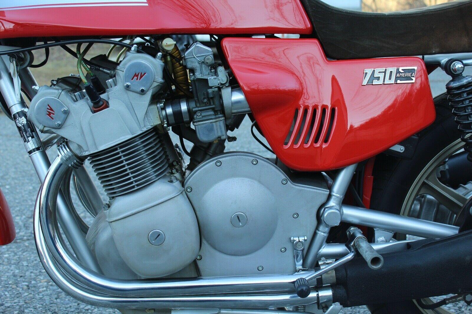 Мотоцикл MV Agusta 850SS