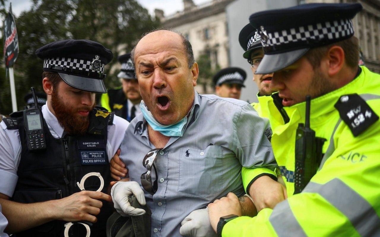 Полиция задержала виновника ДТП с Джонсоном