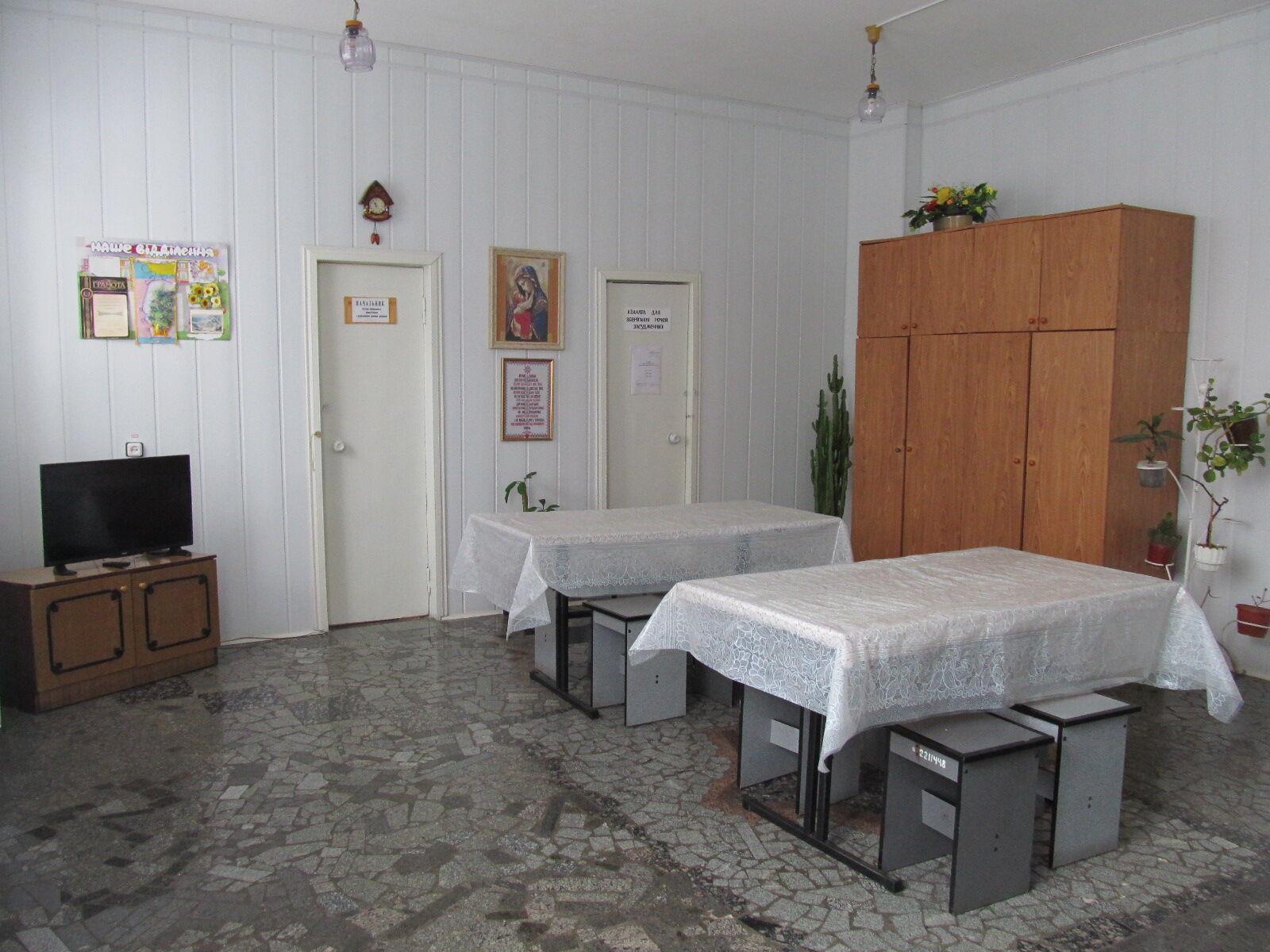 В секторе, где находится Зайцева, комнаты социально-воспитательной работы и приема пищи объединены в одну